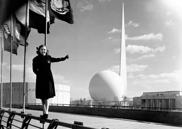 1939 World's Fair featuring the Trylon and Perisphere